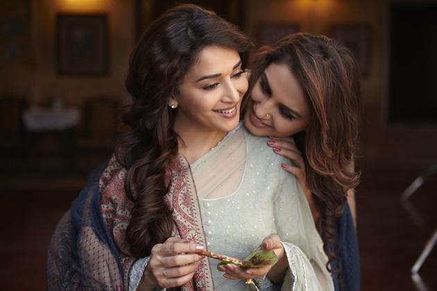 Madhuri and Huma in Dedh Ishqiya