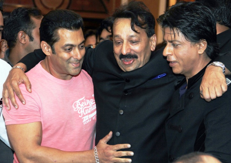 Salman and Shahrukh hug and make up at Baba Siddiqui's Iftar party 2013