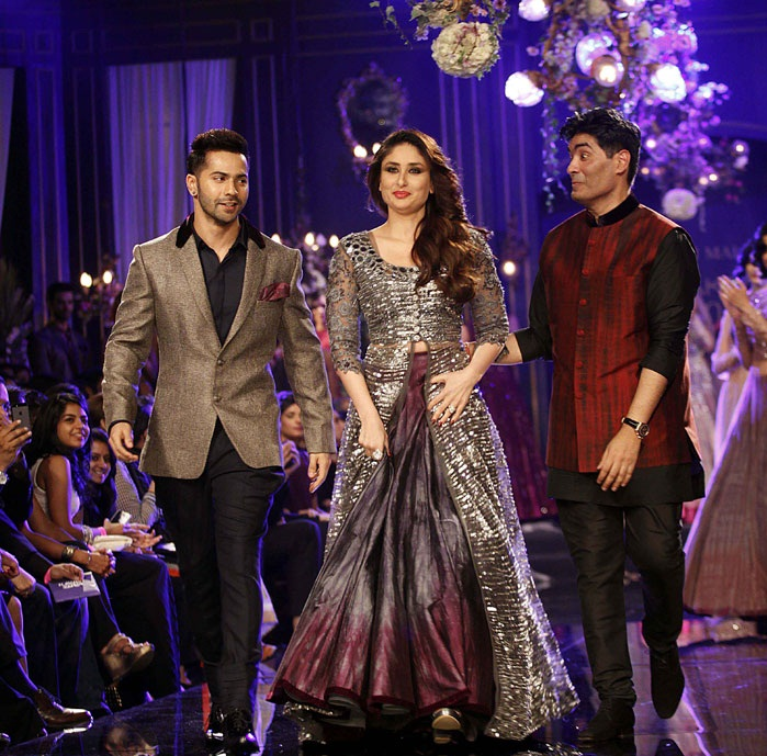 Kareena with Varun Dhawan and designer Manish Malhotra