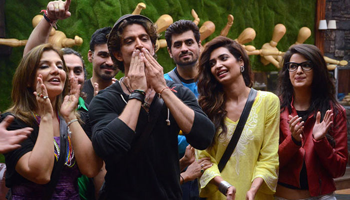 Hrithik Roshan enters Bigg Boss 8 house to promote Bang Bang
