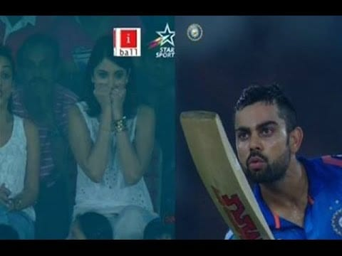 Virat's flying kiss to Anushka