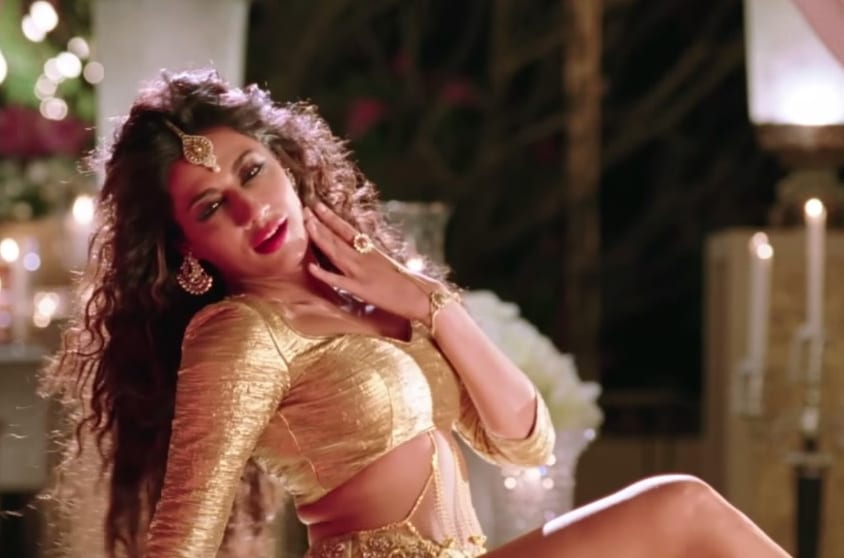 Chitrangada in Aao Raja Video Song
