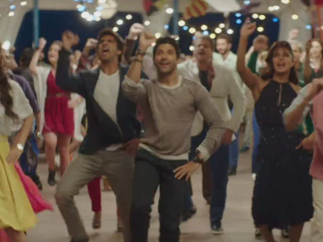 Gallan Goodiyaan Video Song - Dil Dhadakne Do