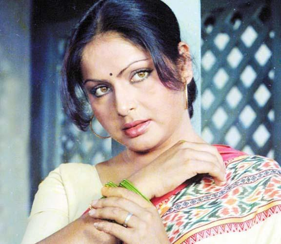 Top 10 Mothers of Bollywood on Mother's Day - Rakhee