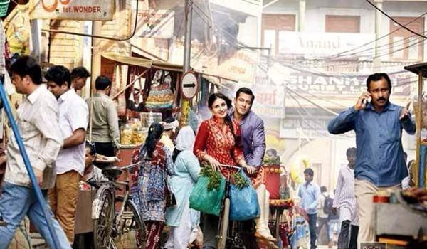 Bajrangi Bhaijaan New Song 'Tu Chahiye' still