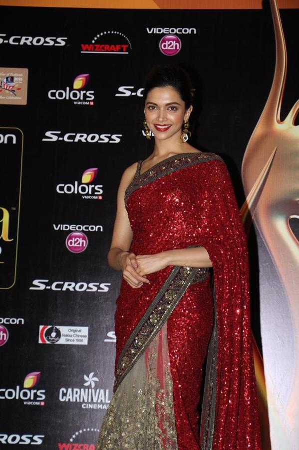 IIFA 2015 on Roll: Deepika Delighted With 'Woman of the Year' Award