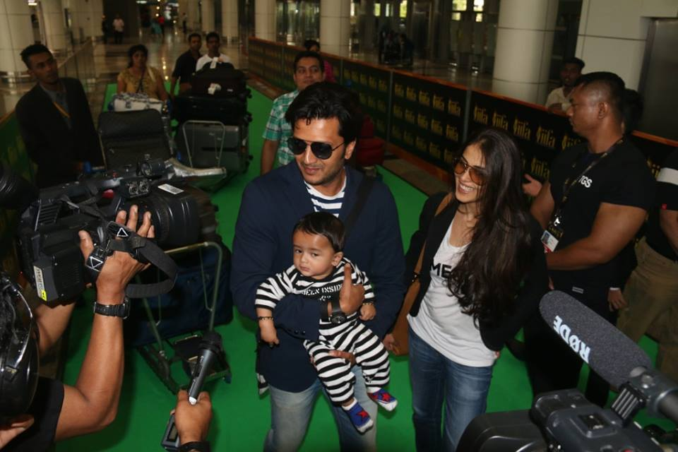 Deshmukh family arrives at IIFA 2015