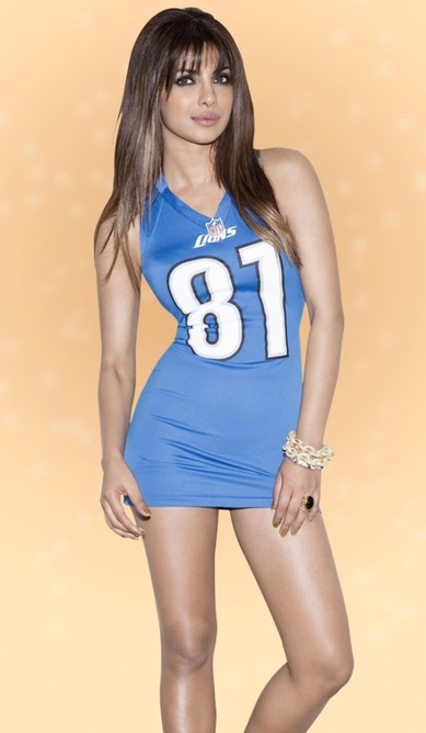 she also took part in a NFL photo-shoot showing off her good looks in each of the NFL team jerseys.