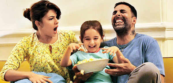Akshay, Jacqueline and Naisha Khanna in 'Brothers'