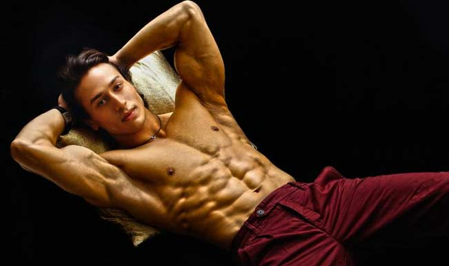 10 Hottest Shirtless Bollywood Actors-Tiger Shroff