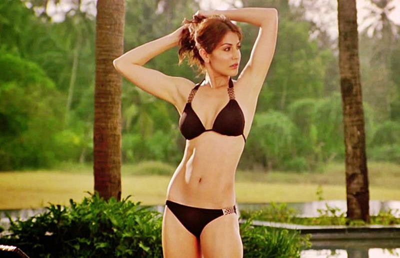 Poll of the Day: Hottest Beach Body In Bollywood- Anushka