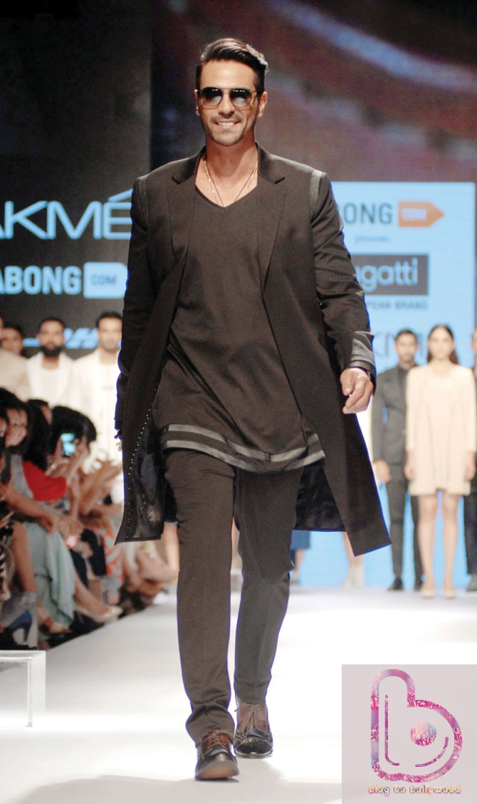 Which Actor rocked the ramp in LFW 2015? - Arjun Rampal