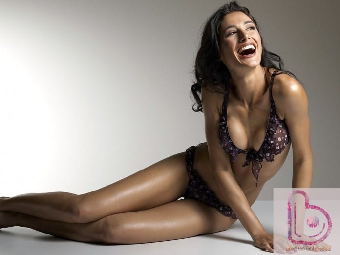 10 Hot Pics Of Nargis Fakhri Which Proves That She Is A Real Thunder