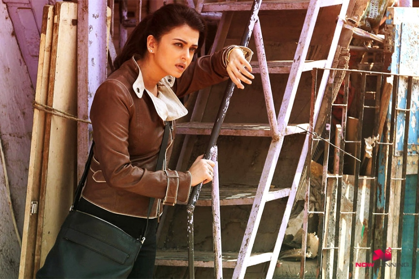 Jazbaa 2nd Day Box Office Collection | Good Growth On Saturday