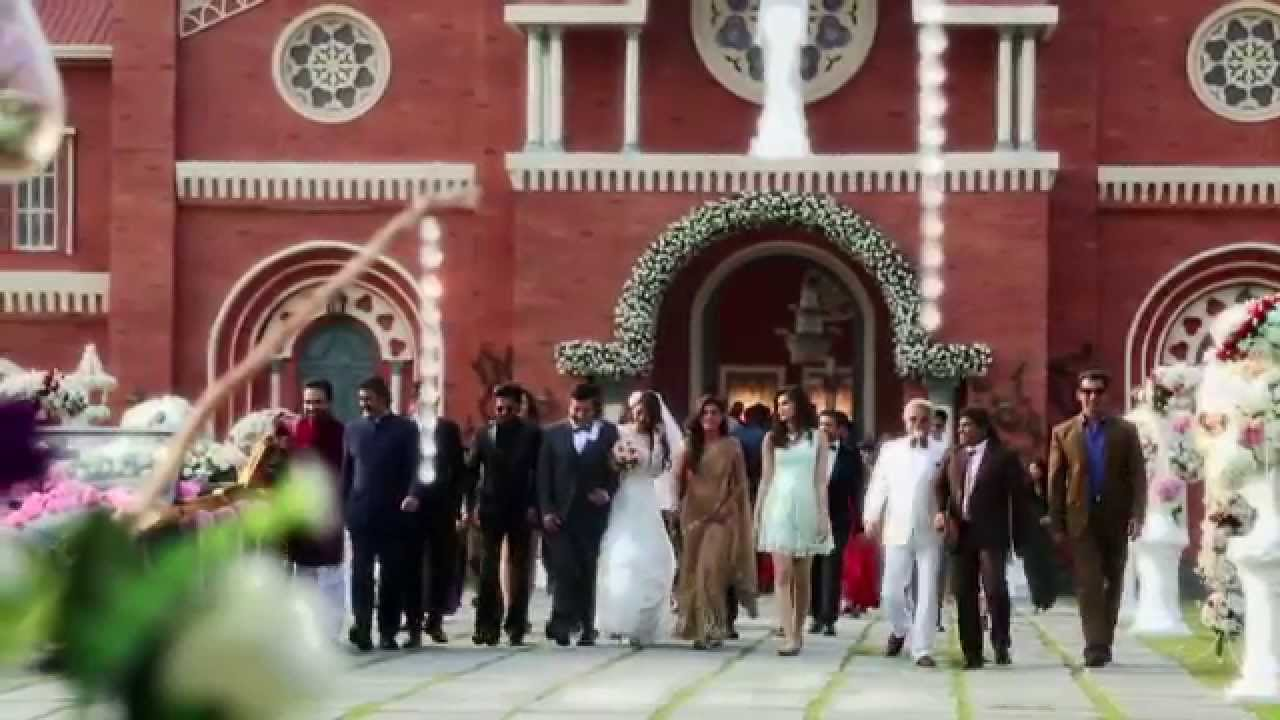 A Sneak Peak To SRK's Dilwale Climax Suggest That This Christmas Will Be Full of Entertainment