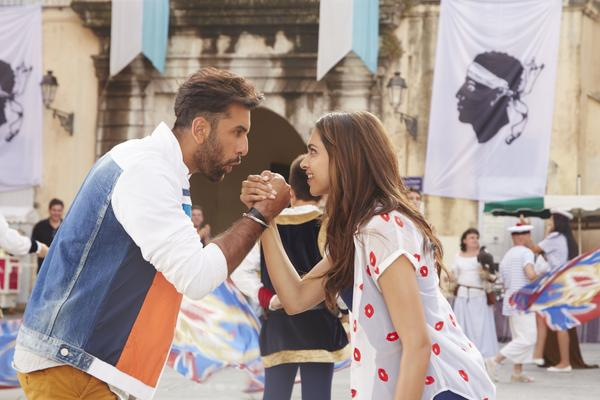 Tamasha Movie Review | Critics Reviews and Rating