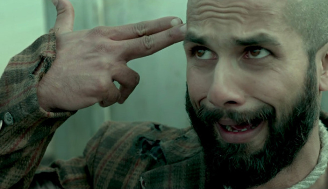 Shahid Kapoor Walks Out Of AK vs SK After Shaandaar's Failure