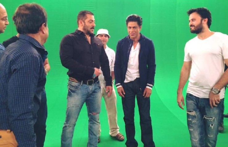 Shahrukh Khan and Salman Khan Shoot For Bigg Boss 9 - 1