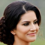 Prasoon Joshi opposes Sunny Leone as she used to be a Pornstar