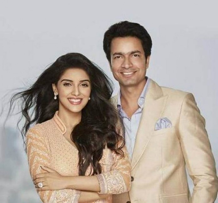 Asin Thottumkal and Rahul Sharma to walk down the aisle today!