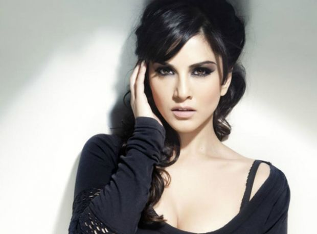 Sunny Leone's take on Prasoon Joshi & the possibility of working with Aamir Khan