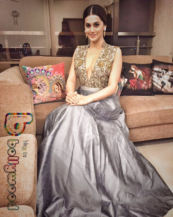 Who wore what : Filmfare Dresses 2016 Female