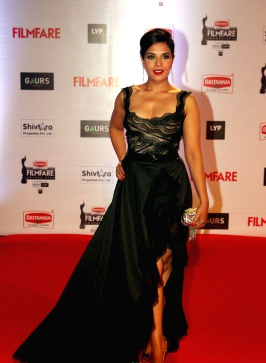 Richa Chadda at 61st Filmfare Awards: Bollywood's Fashion Fails on the Red Carpet