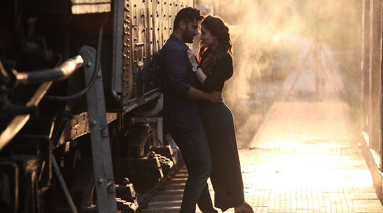 "Arjun Kapoor and Kareena Kapoor Khan show intense chemistry in ""Ki and Ka"""