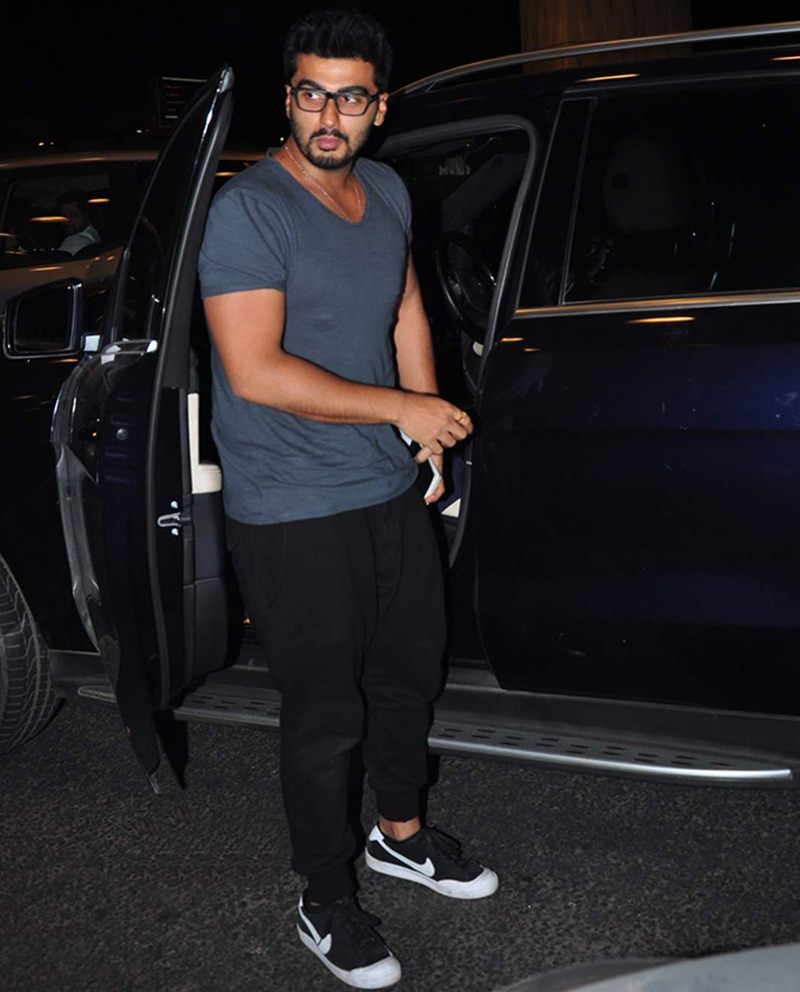 Airport Spotting | Get that Hunk Look like your favourite star for your next journey!- Arjun 1