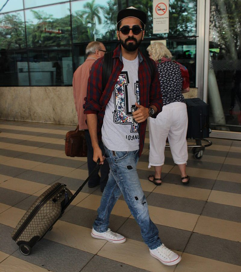 Airport Spotting | Get that Hunk Look like your favourite star for your next journey!- Ayushmann 1