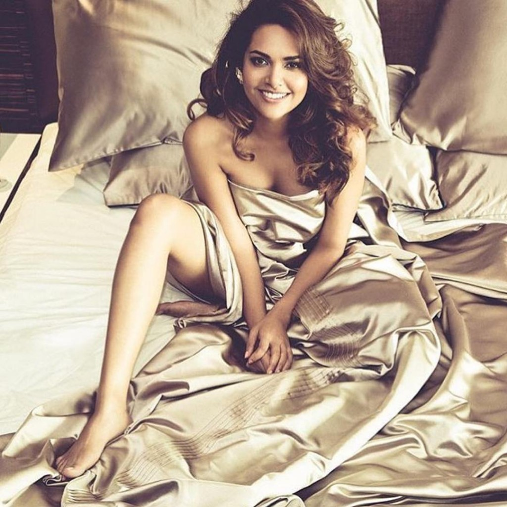 Hot As Hell | Pictures of Esha Gupta from Planet Hollywood Goa Shoot- Esha 4