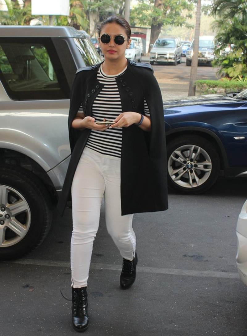 Airport Spotting | Get that Chic Look like our favourite Celebs for your next Journey- Huma 1