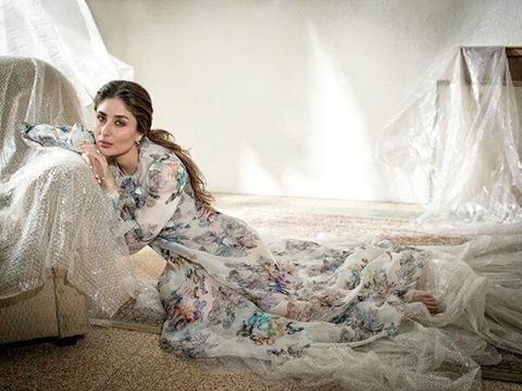 Kareena Kapoor Khan looks so fresh in Elle India February Issue Cover- Kareena 4