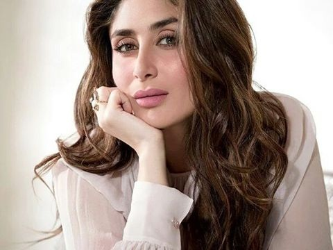 Kareena Kapoor Khan looks so fresh in Elle India February Issue Cover- Kareena 5