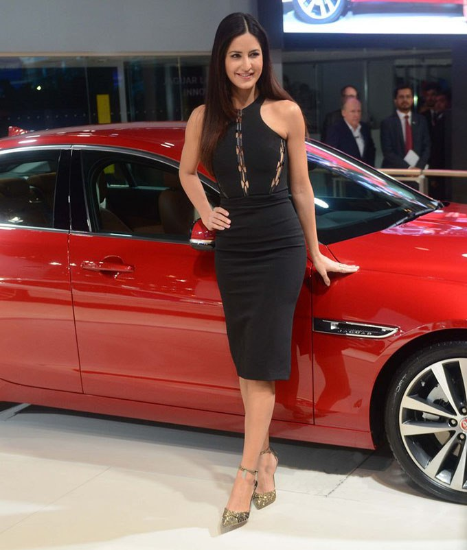 Black Beauties Katrina Kaif and Alia Bhatt turn up the heat at the Auto Expo 2016- Kat 1