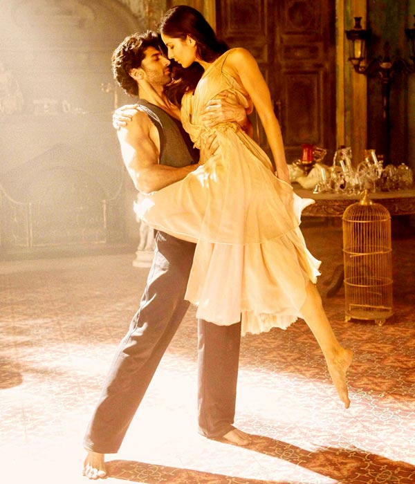 Fresh Pairing of Aditya Roy Kapoor and Katrina Kaif and their sizzling chemistry.