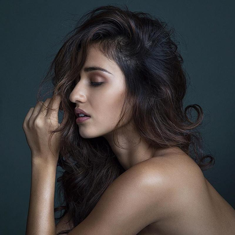 These 15 Hot Pics of Disha Patani prove what a Bombshell she is!- Disha Posing 2
