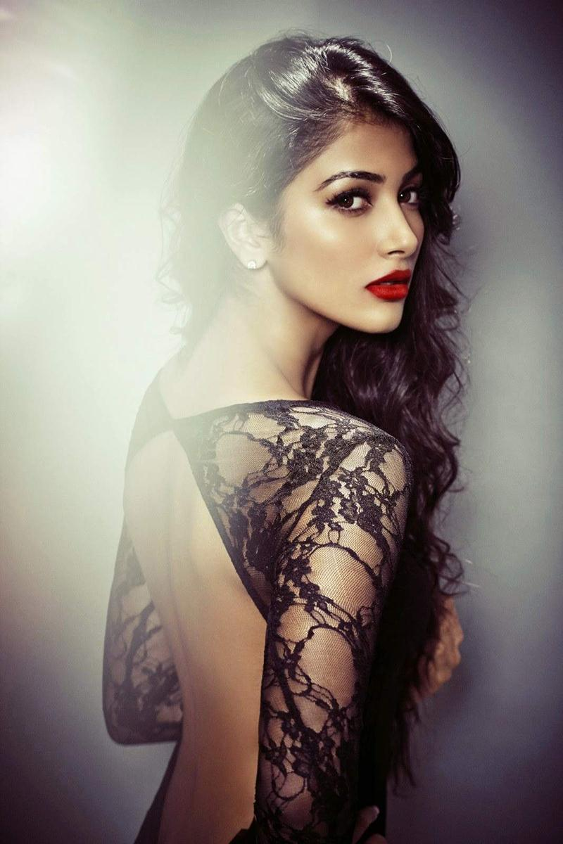 15 Stunning Never-Seen-Before Pictures of Pooja Hegde: The Mohenjo Daro Girl- Pooja Back