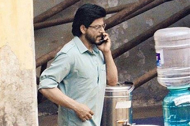 Raees Update: Shah Rukh Khan wraps up the shooting of 'Raees' movie