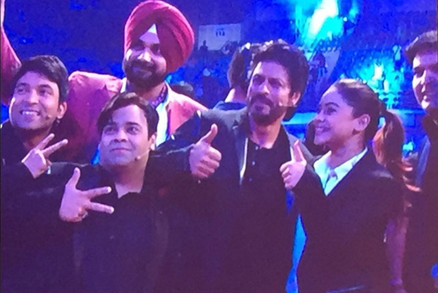 Pics and Videos: Shahrukh Khan Shooting For The Kapil Sharma Show's 1st Episode