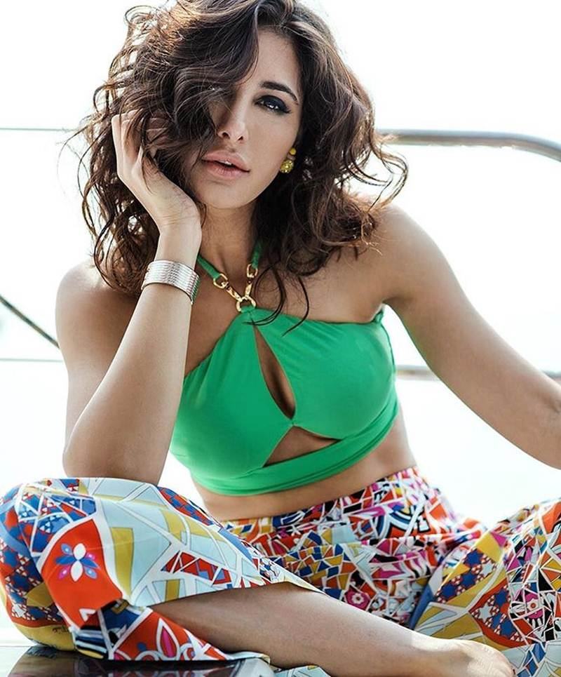 Nargis Fakhri scorches up the temperature in Femina India and L'Officiel India Cover- Nargis Lofficiel 2
