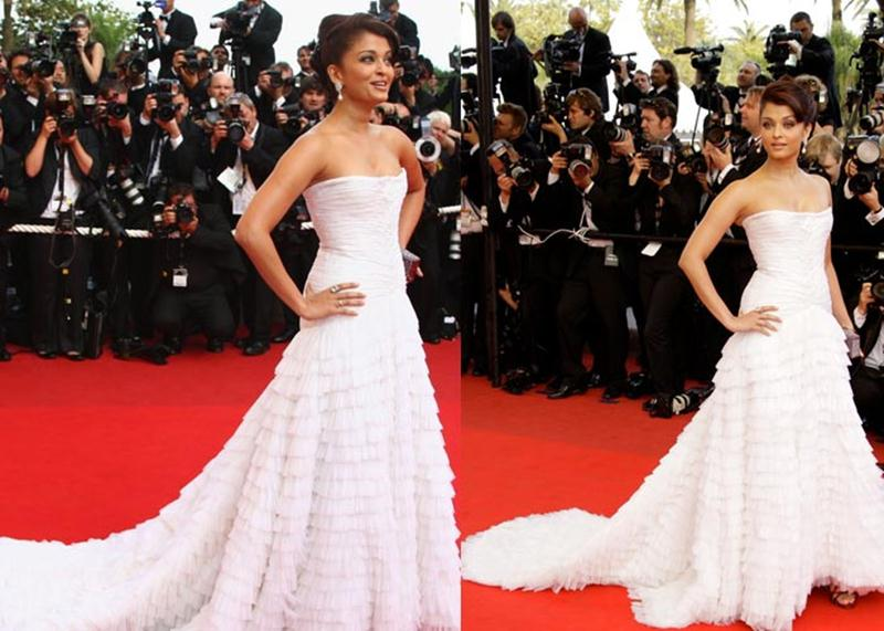 Aishwarya Rai Bachchan and Sonam Kapoor's various looks at Cannes over the years- Aish 2009 1