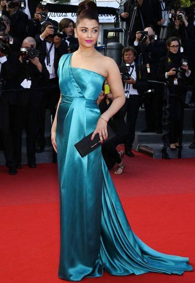 Aishwarya Rai Bachchan and Sonam Kapoor's various looks at Cannes over the years- Aish 2013 1