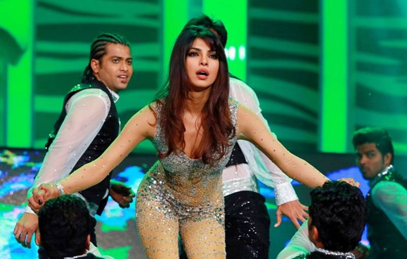 Poll of the Day | Who is the best female dancer in Bollywood?- Priyanka Dancing