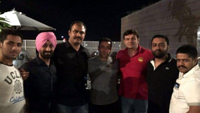 Salman Khan wraps up Sultan in his very own style- Salman Sultan 3