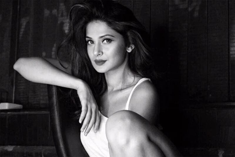 10 Hot Pictures of Jennifer Winget, who is going to make her Bollywood debut soon!- Jennifer Black