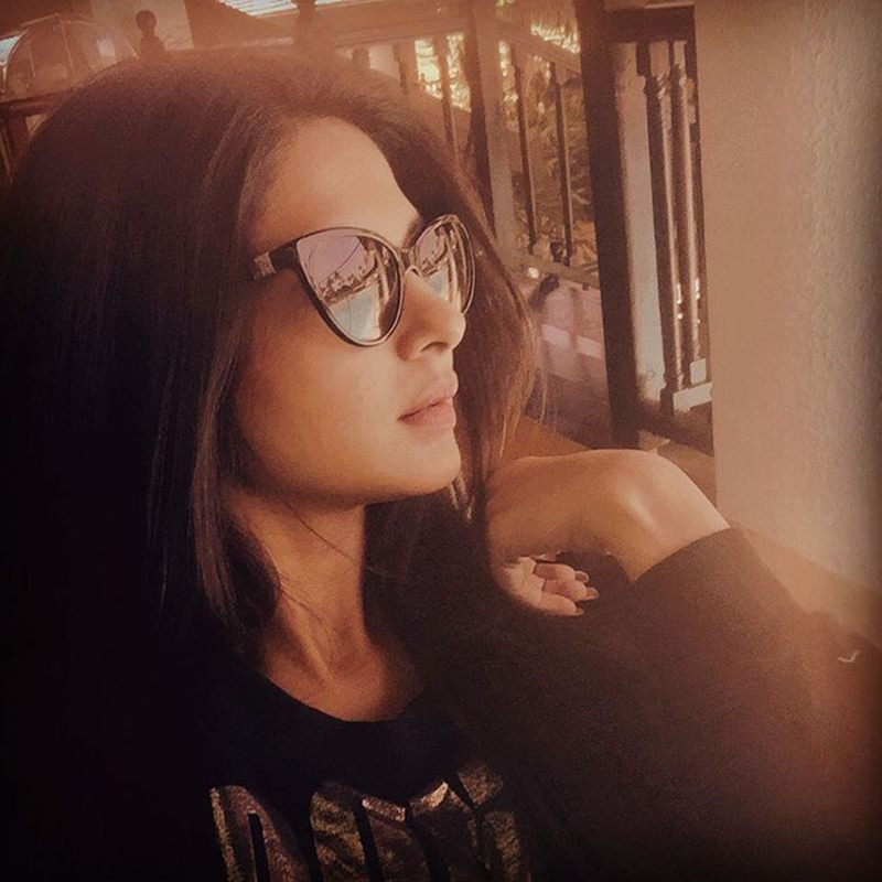 10 Hot Pictures of Jennifer Winget, who is going to make her Bollywood debut soon!- Jennifer Candid
