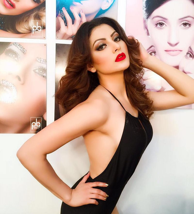 Urvashi Rautela Hot Pics that will set your heart beating like crazy!- Urvashi Black 3