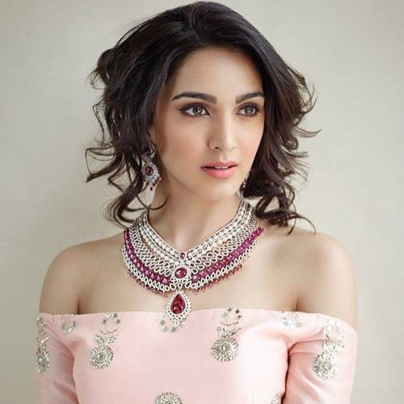 15 Stunning Pictures of Kiara Advani, who will soon be seen in M.S. Dhoni- The Untold Story- Kiara Pink