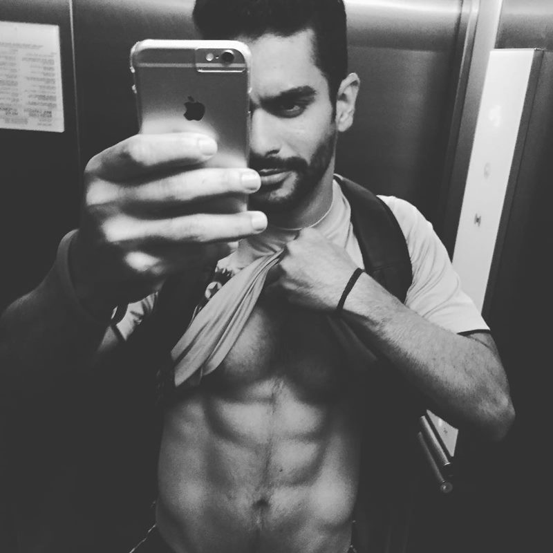 10 Hot Pictures of Angad Bedi that will make you wish he was your man!- Angad Abs 1